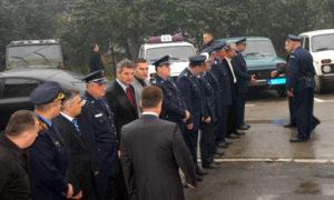 01.Policijski-sluzbenici-u-Tutinu-docekuju-ministra-velika
